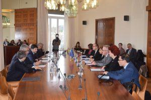 Vertice al Ministero della Salute con OMS, ECDC e UE: «Bene Italia». Da Bruxelles aiuti per materiale sanitario e test